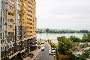 1-комн. квартира, 55 кв.м. на 4 человека, Кожевенная улица, 24, Краснодар - Фотография 1