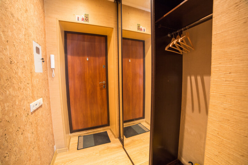 1-комн. квартира, 34 кв.м. на 4 человека, проспект Карла Маркса, 34, Омск - Фотография 4