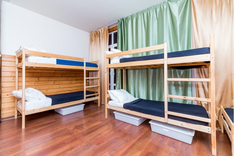 Кровать в женском номере на 6 человек, 3-я Мякининская улица, 32А лит.Б, метро Мякинино, Москва - Фотография 1
