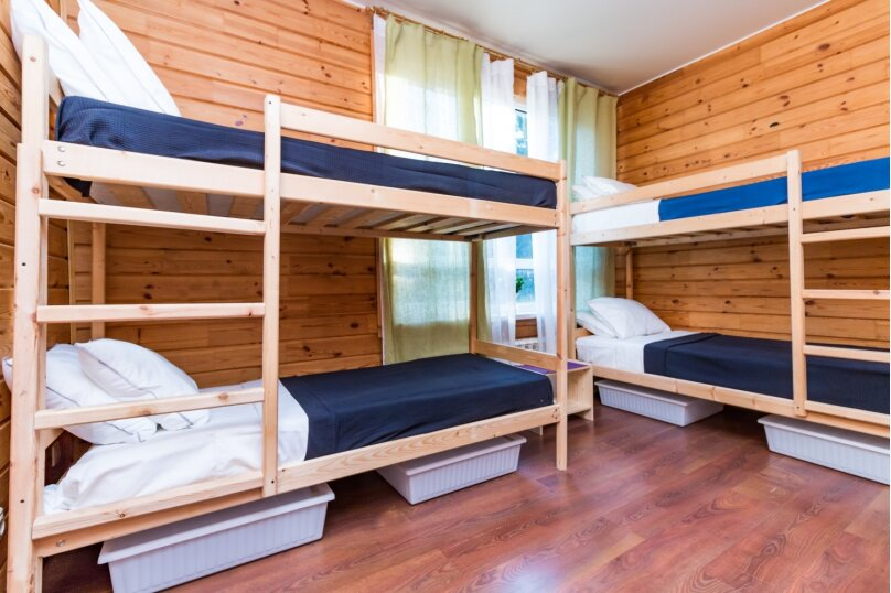 Кровать в мужском номере на 6 человек, 3-я Мякининская улица, 32А лит.Б, метро Мякинино, Москва - Фотография 1