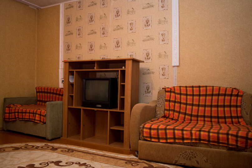 2-комн. квартира, 54 кв.м. на 9 человек, улица Мубарякова, 10/1, Уфа - Фотография 2
