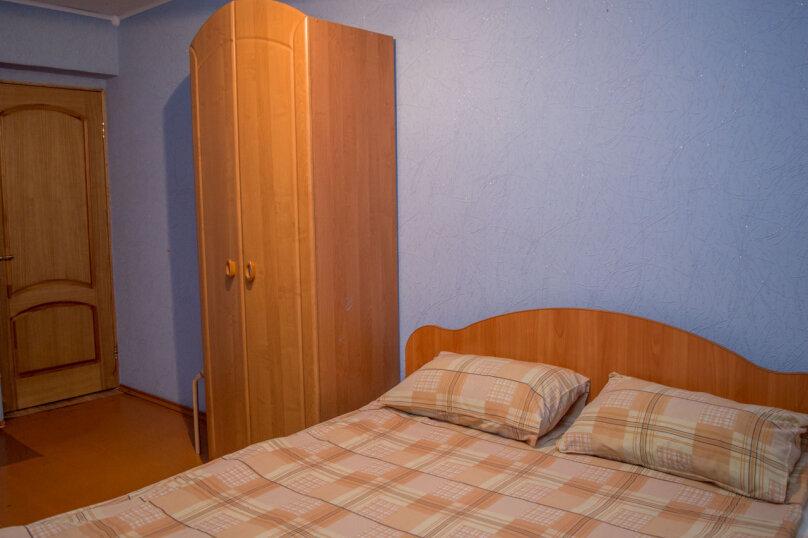 2-комн. квартира, 54 кв.м. на 9 человек, улица Мубарякова, 10/1, Уфа - Фотография 3