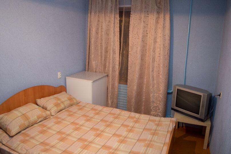 2-комн. квартира, 54 кв.м. на 9 человек, улица Мубарякова, 10/1, Уфа - Фотография 4