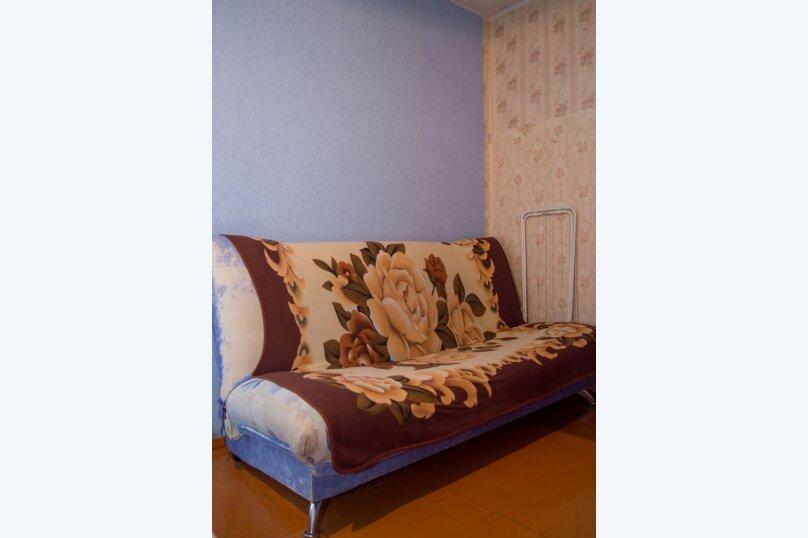 2-комн. квартира, 54 кв.м. на 9 человек, улица Мубарякова, 10/1, Уфа - Фотография 6