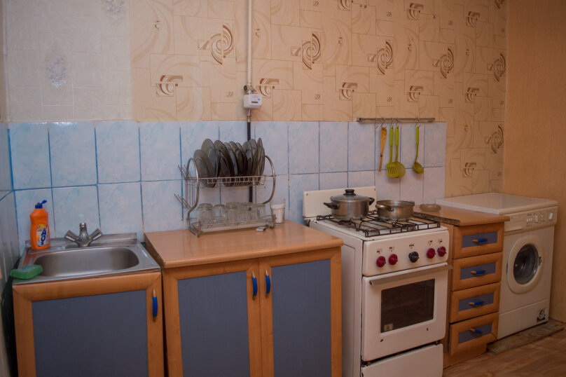 2-комн. квартира, 54 кв.м. на 9 человек, улица Мубарякова, 10/1, Уфа - Фотография 13