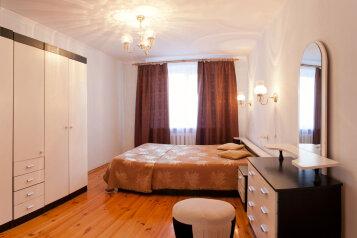 3-комн. квартира, 71 кв.м. на 6 человек, Флотская, 54, Тюмень - Фотография 1