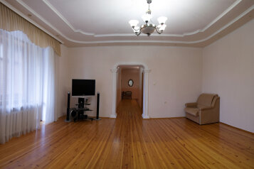 3-комн. квартира, 153 кв.м. на 6 человек, улица Степана Халтурина, 8, Тюмень - Фотография 2