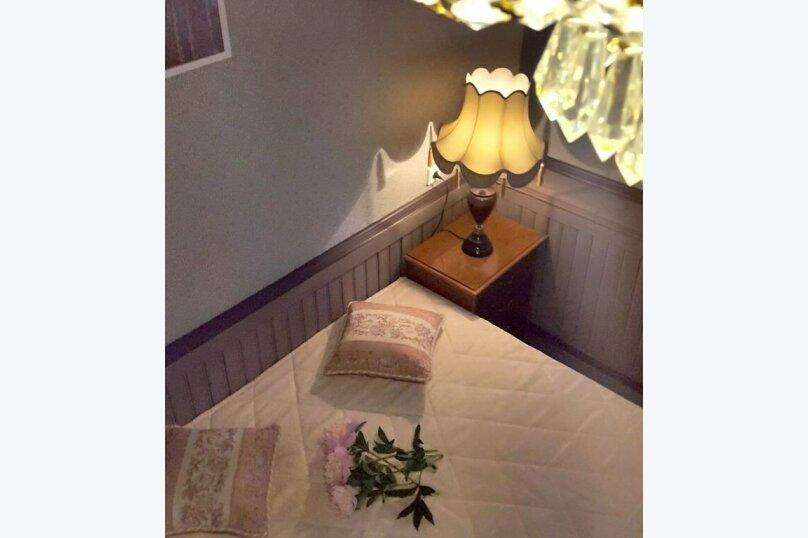 """Номер с кроватью размера """"king-size"""" и видом на сад, д. Малое Саврасово, 17а, Домодедово - Фотография 4"""