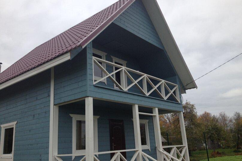 Дом у озера, 90 кв.м. на 8 человек, 2 спальни, дер. Голубково, Центральная, 15А, Санкт-Петербург - Фотография 1