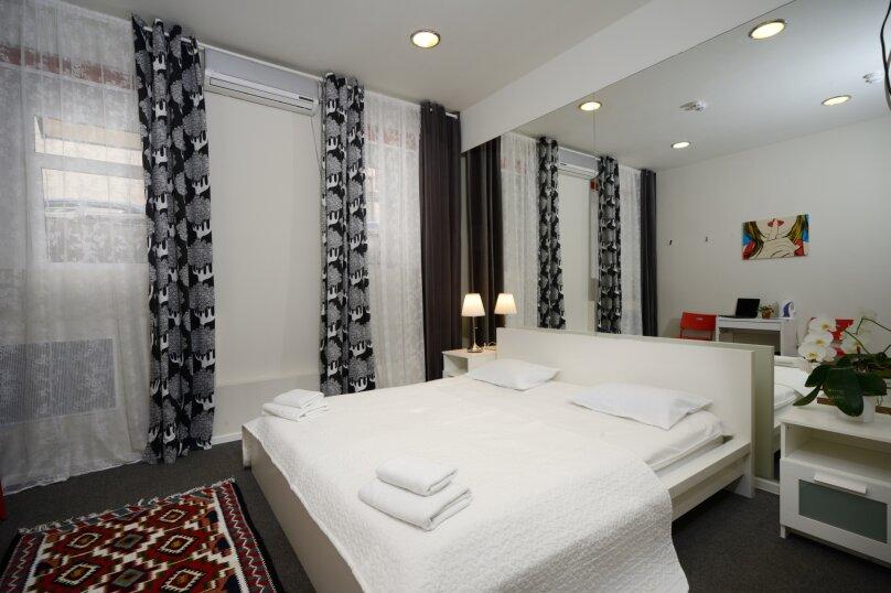 Двухместный номер эконом-класса с 1 кроватью, улица Петровка, 17с5, Москва - Фотография 6
