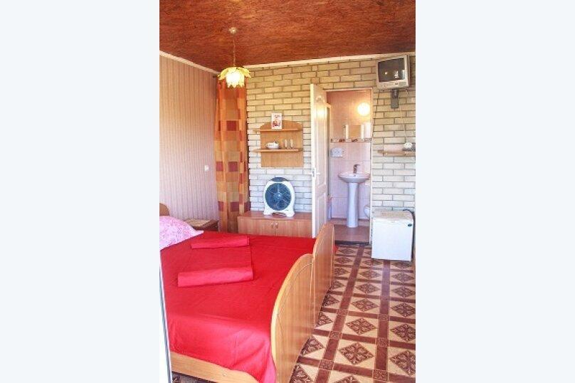 Двухместный номер с удобствами, улица Чапаева, 30, Черноморское - Фотография 1