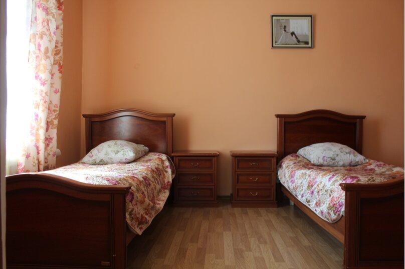 Коттедж посуточно на 10 человек, 315 кв.м. на 10 человек, 4 спальни, Шиболовская, 1, Деденево - Фотография 6