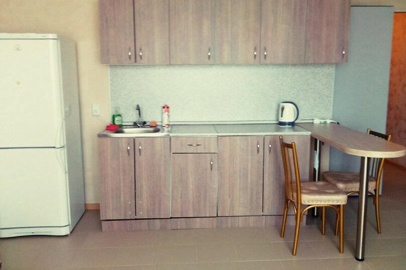 1-комн. квартира, 30 кв.м. на 2 человека, улица Дмитрия Менделеева, 14, Тюмень - Фотография 2