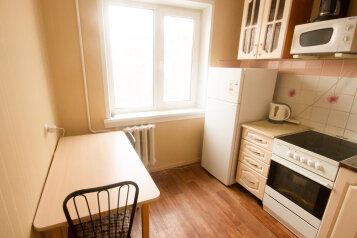 2-комн. квартира, 50 кв.м. на 4 человека, улица Достоевского, 16, Новосибирск - Фотография 4
