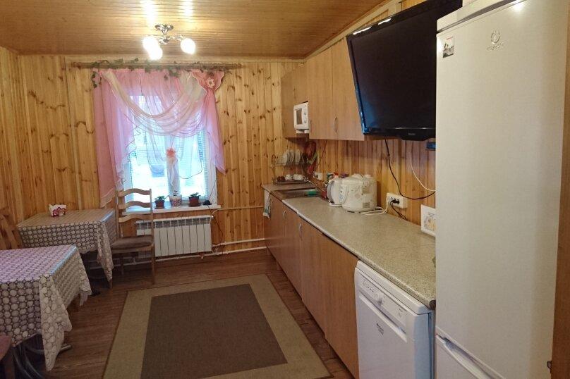 Семейный с санузлом в номере, Никитинская улица, 27, Тихвин - Фотография 4