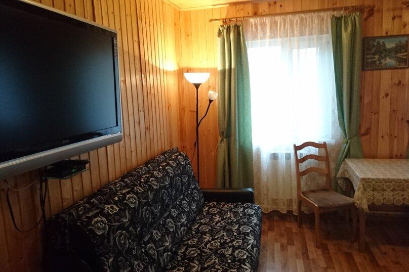 Семейный с санузлом в номере, Никитинская улица, 27, Тихвин - Фотография 5