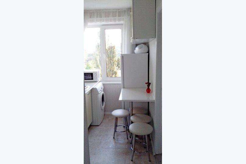 2-комн. квартира, 40 кв.м. на 4 человека, улица Ленина, 28, Алушта - Фотография 6