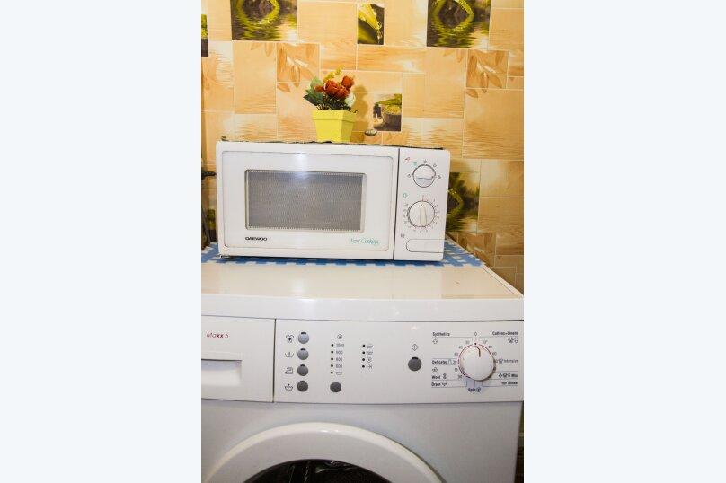 2-комн. квартира, 40 кв.м. на 4 человека, проспект Карла Маркса, 48А, Омск - Фотография 7