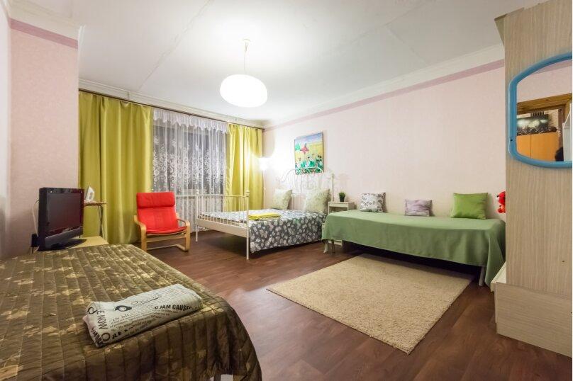 1-комн. квартира, 55 кв.м. на 6 человек, Чистопольская улица, 66, Казань - Фотография 1