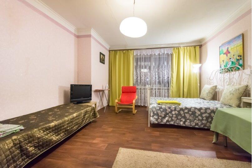 1-комн. квартира, 55 кв.м. на 6 человек, Чистопольская улица, 66, Казань - Фотография 2