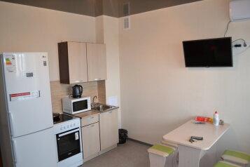 2-комн. квартира, 50 кв.м. на 4 человека, улица Мира, 142, Волжский, Волгоградская область  - Фотография 1
