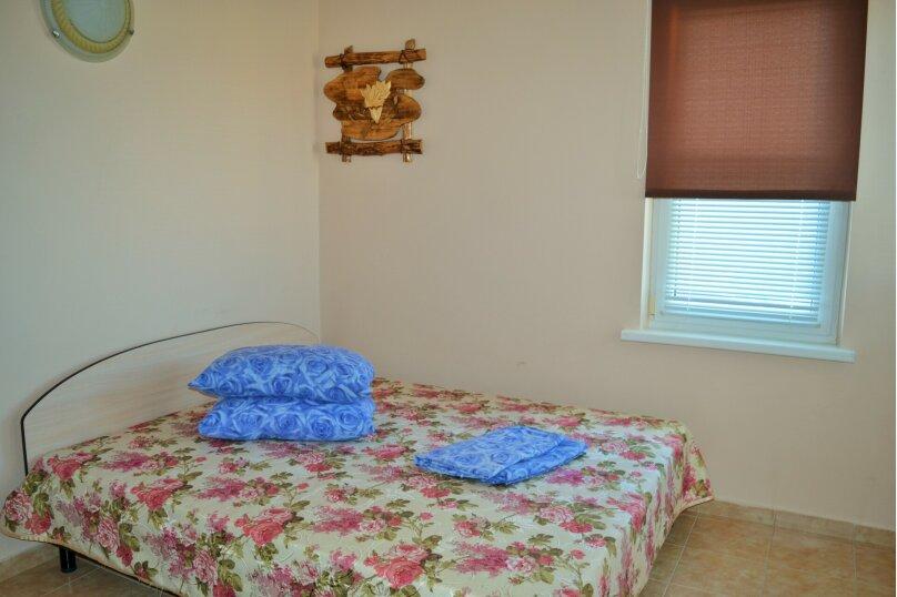 Дом, 100 кв.м. на 10 человек, 5 спален, Мирный, Морская , 202, Штормовое - Фотография 1