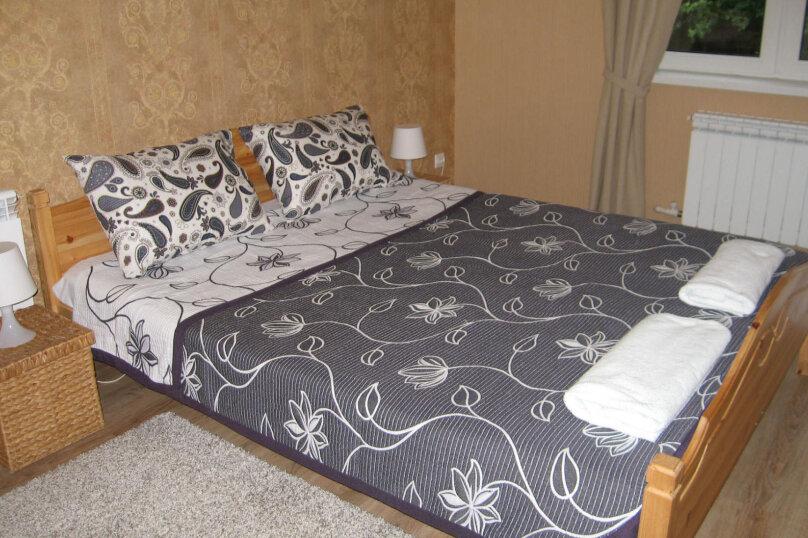 2-местный номер с 2х-спальной кроватью и душем в номере, Разметелевская улица, 47, Санкт-Петербург - Фотография 1