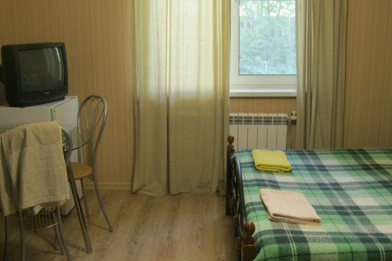 2-местный номер с 2х-спальной кроватью и душем в номере, Разметелевская улица, 47, Санкт-Петербург - Фотография 2