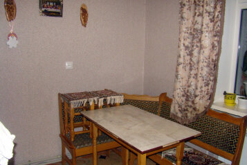 3-комн. квартира, 60 кв.м. на 6 человек, улица Нахимова, поселок Орджоникидзе, Феодосия - Фотография 2
