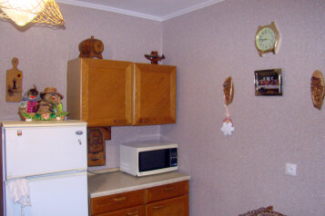 3-комн. квартира, 60 кв.м. на 6 человек, улица Нахимова, поселок Орджоникидзе, Феодосия - Фотография 3