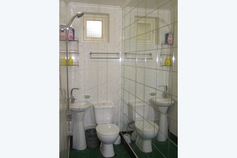 Дом двухкомнатный с личным двориком, 45 кв.м. на 6 человек, 2 спальни, улица Халтурина, 50, Таганрог - Фотография 8