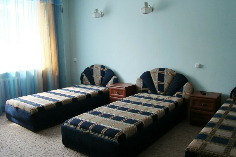 Апартаменты для отдыха горнолыжников и просто отдыхающих на зимний и летний периоды у Соболиной горы в Байкальске в благоустроенном коттедже, Красный ключ, 56 на 3 комнаты - Фотография 2