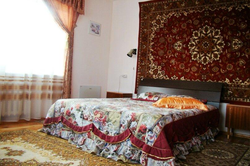 Апартаменты для отдыха горнолыжников и просто отдыхающих на зимний и летний периоды у Соболиной горы в Байкальске в благоустроенном коттедже, Красный ключ, 56 на 3 комнаты - Фотография 3