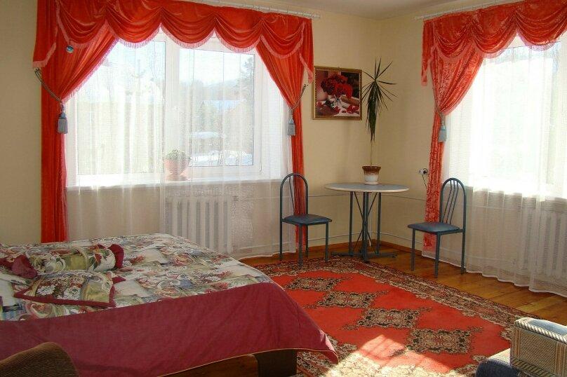 Апартаменты для отдыха горнолыжников и просто отдыхающих на зимний и летний периоды у Соболиной горы в Байкальске в благоустроенном коттедже, Красный ключ, 56 на 3 комнаты - Фотография 7