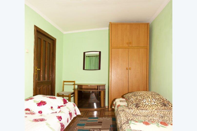 """Гостевой дом """"На Вагулы 6"""", улица Вагулы, 6 на 4 комнаты - Фотография 2"""