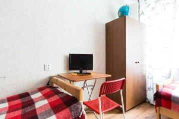 2-комн. квартира, 52 кв.м. на 8 человек, Камская улица, 4, Санкт-Петербург - Фотография 1