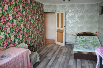 2-комн. квартира, 50 кв.м. на 5 человек, улица Нахимова, 22, поселок Орджоникидзе, Феодосия - Фотография 2