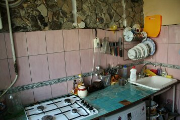 2-комн. квартира, 50 кв.м. на 5 человек, улица Нахимова, 22, поселок Орджоникидзе, Феодосия - Фотография 4