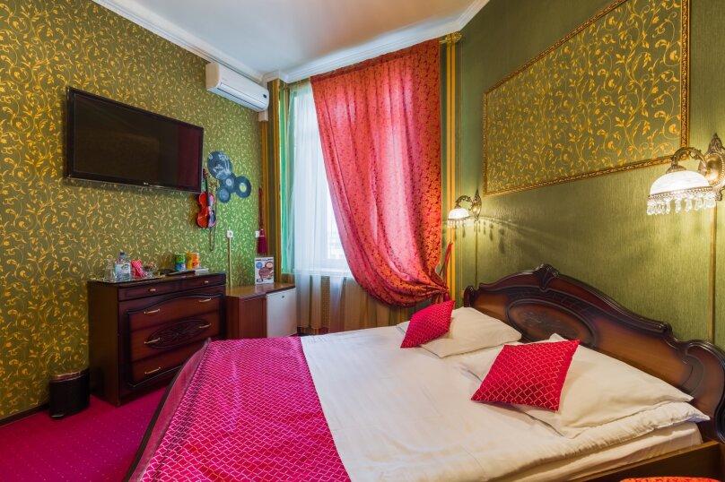 Люкс с кроватью размера «king-size», Дивенская улица, 5, Санкт-Петербург - Фотография 1