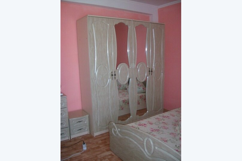 Гостиница 770353, улица Мусы Мамута, 16 на 10 комнат - Фотография 2