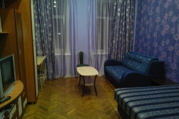 3-комн. квартира, 67 кв.м. на 8 человек, 7-я Советская улица, 35-37, Санкт-Петербург - Фотография 1