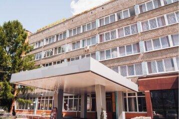 Гостиница, проспект Кирова на 120 номеров - Фотография 1