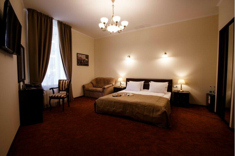 """Улучшенный номер с кроватью размера """"king-size"""", Загородный проспект, 5, Санкт-Петербург - Фотография 1"""