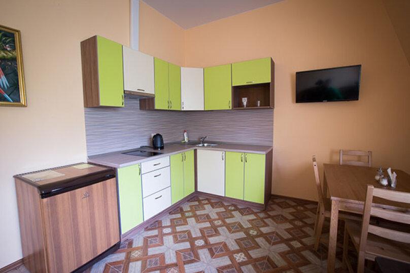 Апартаменты №4-III, Чистяковская улица, 2к3, Санкт-Петербург - Фотография 1