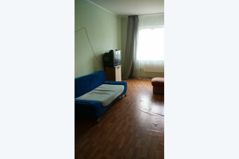 1-комн. квартира, 50 кв.м. на 6 человек, улица Иосифа Каролинского, 12, Сургут - Фотография 6