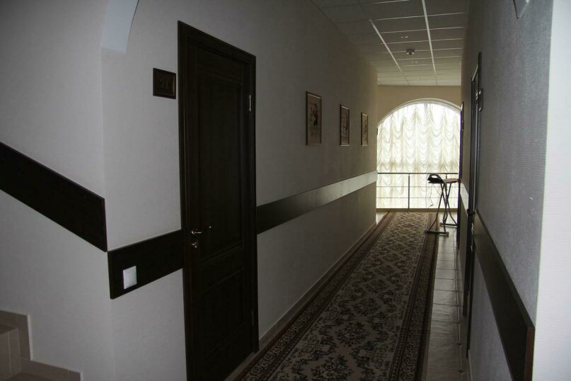 """Гостевой дом """"На Володарке"""", Володарского, 176 на 13 комнат - Фотография 2"""