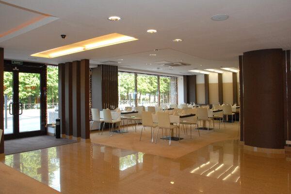 Гостиница, набережная 40-летия ВЛКСМ, 1 на 60 номеров - Фотография 1