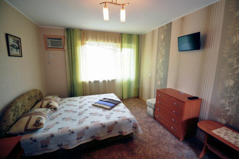 1-комнатный 3-х местный полулюкс, Курортная, 4д/2, село Приветное - Фотография 1