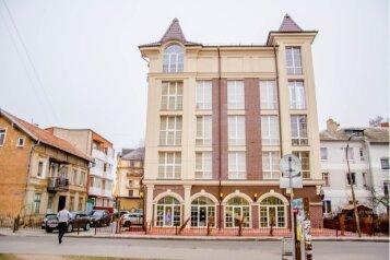 Отель на побережье с номерами для людей с ограниченными возможностями, улица Ткаченко, 4 на 22 номера - Фотография 1