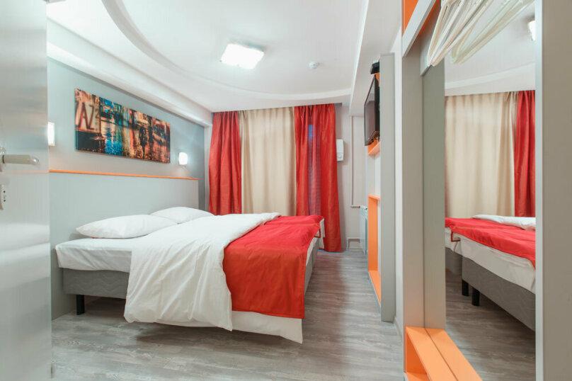 Стандартный двухместный номер с одной кроватью  или с двумя отдельными кроватями (Комфорт), проспект Юрия Гагарина, 5, Санкт-Петербург - Фотография 1